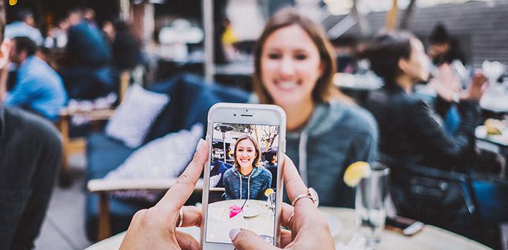Instagram Hikayesinde Birisini Etiketleme